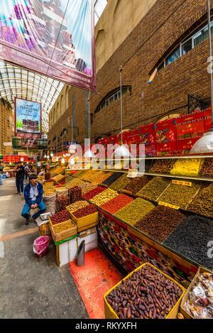 Les noix, les raisins et autres fruits séchés à vendre à l'air libre Le Grand Bazar International, Urumqi, Xinjiang, Province de la Chine. La plupart des raisins proviennent de Banque D'Images