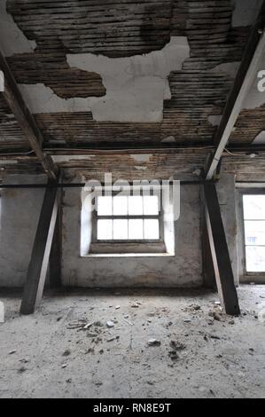 Abandonnés et laissés à la décomposition Banque D'Images