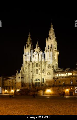 Santiago de Compostela Cathedral voir la nuit. Cathédrale de Saint Jacques de Compostelle. Place Obradoiro, Galice, Espagne