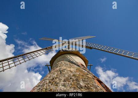 Image d'un moulin d'un point de vue bien Banque D'Images