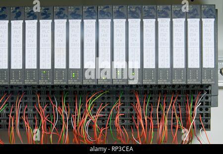 Les modules électroniques avec des fils. Libre Banque D'Images