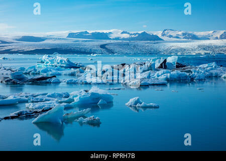 Les icebergs Jokulsarlon glacier glacier Breidamerkurjokull lagon, sous. Parc national du Vatnajökull, Sudhurland, au sud est de l'Islande. Banque D'Images