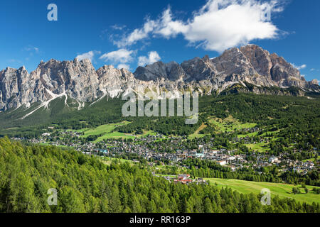 La ville de Cortina d Ampezzo Dolomites en Italie, Alpes Banque D'Images