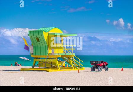 Green beach hut en style art déco à South Beach à Miami, Floride Banque D'Images