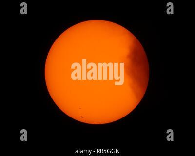 Disc du soleil photographié 9 septembre 2017 montrant des groupes de taches solaires, télescope de droit avec la lumière blanche filtre solaire. Credit: Malcolm Park Banque D'Images