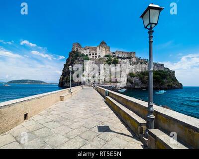 L'Italie, Campanie, Naples, Golfe de Naples, Ischia Island, Château Aragonais sur Rock Island