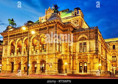Opéra d'État de Vienne est une maison d'opéra.Il est situé dans le centre de Vienne, en Autriche. Il s'appelait à l'Opéra de la cour de Vienne (Wiener Hofoper) Banque D'Images