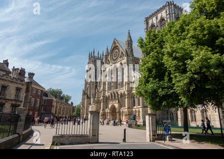 La cathédrale de York (ancienne cathédrale et Metropolitical Eglise de Saint Pierre à York Minster) vu du chantier, ville de York, au Royaume-Uni.