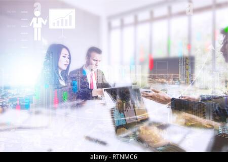 Finances et comptabilité concept, groupe de gens d'affaires et de réunion de planification Banque D'Images