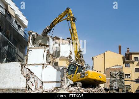 Élevée portée de démolition Komatsu Banque D'Images
