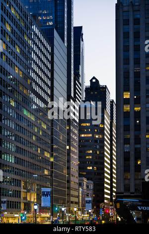 Crépuscule comme vu de Philadelphie Waterworks par l'Art Museum Banque D'Images