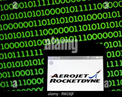 4 mars 2019 - Ukraine - Aerojet Rocketdyne logo de l'entreprise vu affichée sur un téléphone intelligent. (Crédit Image: © Igor Golovniov/SOPA des images à l'aide de Zuma sur le fil) Banque D'Images