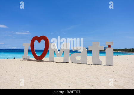 'J'aime Mati' signe sur Dahican Beach, Mati - Davao, Philippines Banque D'Images
