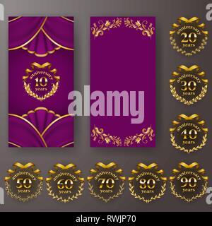 Jeu de carte d'anniversaire, invitation avec couronne de laurier, des chiffres. Emblème or décoratif de jubilé sur fond violet. Banque D'Images