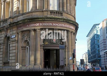 Ville de London Magistrates Court extérieur du bâtiment sur Queen Victoria Street à Londres CE4 England UK KATHY DEWITT Banque D'Images