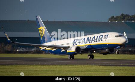 Prestwick, UK. 7 mars 2019. Vol Ryanair Boeing 737-8AS (Reg: EI-FIL) au départ de l'Aéroport International de Prestwick. Cet avion est une prochaine génération