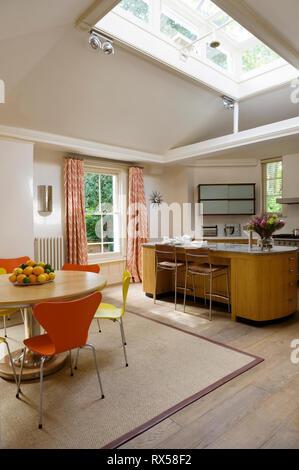 Table de salle à manger moderne cuisine île par