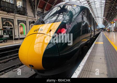 Marque nouvelle Classe 800 trains électriques à la gare de Paddington Banque D'Images