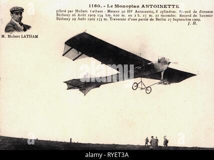 Transport / Transports, aviation, avion de sport, Antoinette VI, design: Leon Levavasseur, 1909, avec portrait de pilot Hubert Latham, photo carte postale, France, 1910, Additional-Rights Clearance-Info-Not-Available-