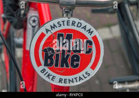 Location de vélo Mac signe à Amsterdam aux Pays-Bas 2018 Banque D'Images