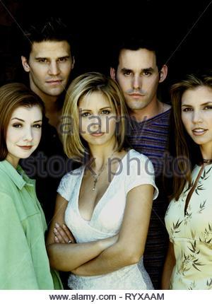 ALYSON HANNIGAN, DAVID BOREANAZ, Sarah Michelle Gellar, NICHOLAS BRENDON CHARISMA CARPENTER,, Buffy Contre Les Vampires: Saison 2, 1997 Banque D'Images