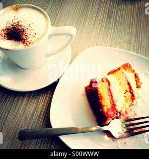 Café et gâteau Banque D'Images