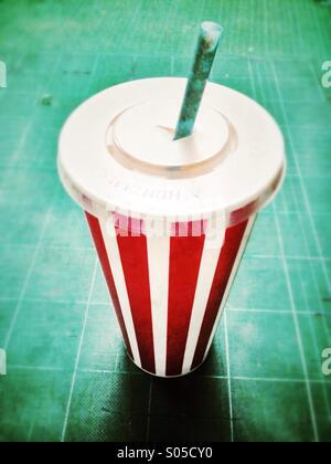 Milkshake vide contenant. Banque D'Images