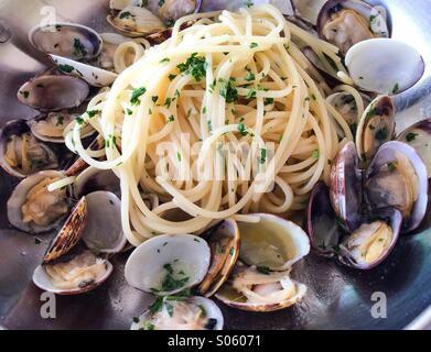 Palourdes Spaghetti alle vongole cuisine Italienne Banque D'Images