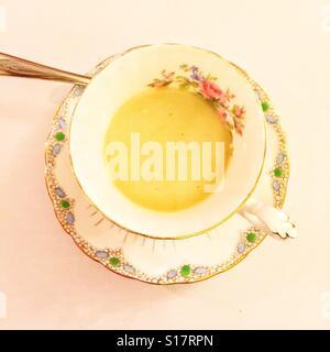 Soupe dans une tasse