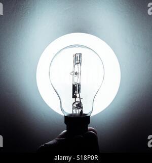 Lightbulb allumé Banque D'Images