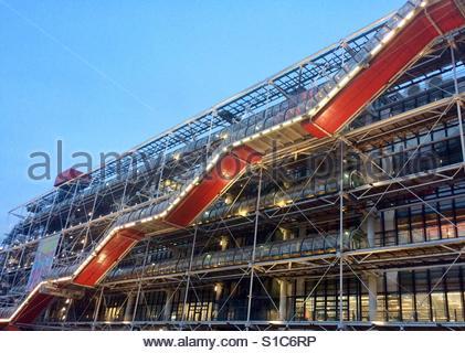 L'extérieur du Centre Pompidou, Paris, France. Banque D'Images