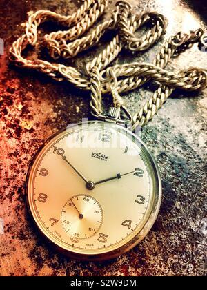 Toujours la vie de la montre de poche et de la chaîne Vulcain Grand Prix Banque D'Images