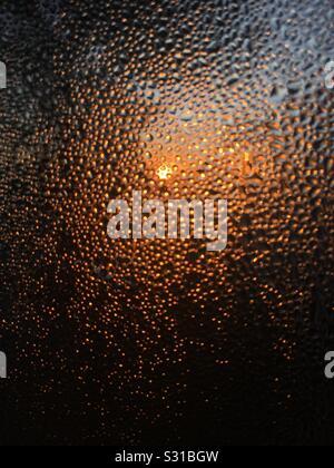 Télévision sur l'iPhone, sunrise, condensation fenêtre Banque D'Images
