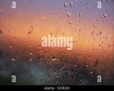 Lever du soleil un jour humide Banque D'Images
