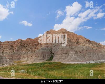 Mélange de couleurs et de paysages spectaculaires de compenser un paysage à couper le souffle sur le Parc National de Badlands, dans le Dakota du Sud. Banque D'Images