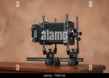 D'un coup horizontal 4x5 Voir l'appareil photo d'un côté sur Brown With Copy Space Banque D'Images