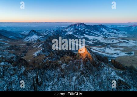 Lever du soleil en Suisse, mongole, Parc National de Gorkhi-Terelj en Mongolie