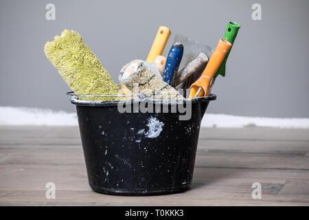 Retouche intérieure et peinture, outils de peinture Banque D'Images