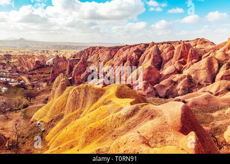 La vallée rouge de Cappadoce, Turquie. Incroyable montagne paysage. Banque D'Images