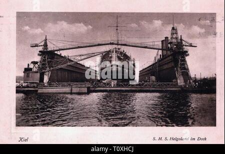"""Première Guerre mondiale / LA PREMIÈRE GUERRE MONDIALE, la guerre navale, Allemand SMS dreadnought 'Helgoland"""" dans la station d'après la bataille du Jutland, de l'arsenal impérial, photo carte postale, oblitérée 23.8.1916, bataille navale, bataille navale, bataille, Batailles, Skagerrak, dockyard, chantiers navals, cale sèche, cale sèche, la réparation, la réparation, le navire, navire de guerre, navires de guerre, de la marine, la Marine impériale allemande, l'Empire allemand, GER, WW1, 10s, 20e siècle, années 1910, Guerre mondiale, guerre mondiale, guerre navale, guerres navales, dock, quais, photo carte postale, photo, cartes postales, historique, Additional-Rights Clearance-Info-historique-Not-Available"""