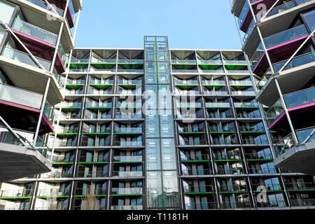 Nouvel immeuble logement dans Wandsworth Battersea London England UK KATHY DEWITT Banque D'Images