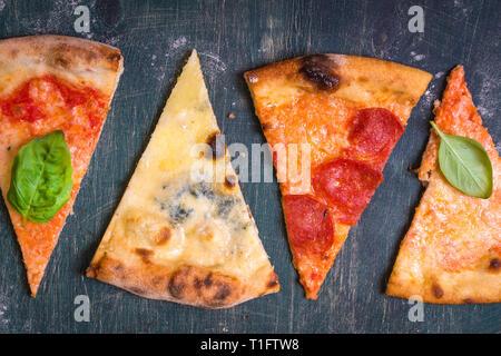 Assortiment de tranches de pizza Banque D'Images