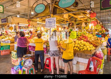 Le marché des aliments locaux Banzaan à Patong Thaïlande