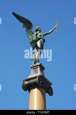 Statue Angel sur Mélanes Bridge, Prague, République Tchèque Banque D'Images
