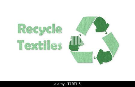 Le vert réutilisent le fait avec t shirt sur cintre à recycler les Textiles réutilisés, texte, texture tissu concept illustration réutiliser, recycler les vêtements et textiles Banque D'Images