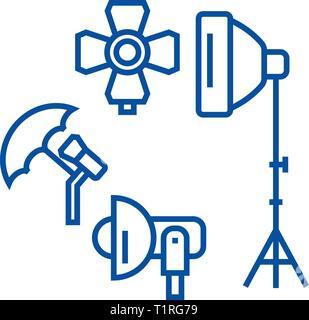 Photo Studio, l'icône de la ligne de l'équipement d'éclairage concept. Photo Studio, le matériel d'éclairage télévision vector symbole, signe, contours illustration.