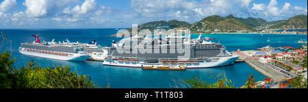 Carnaval et bord de navires de croisière MSC super au port de Saint John's Antigua est la capitale et la plus grande ville d'Antigua-et-Barbuda, situé dans l'W