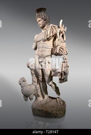 Statue romaine d'Hermès. En. Perge. 2ème ANNONCE de siècle. Inv non . Musée Archéologique d'Antalya, Turquie. Hermes est le dieu du commerce, de l'héraldique, commerçants, Banque D'Images