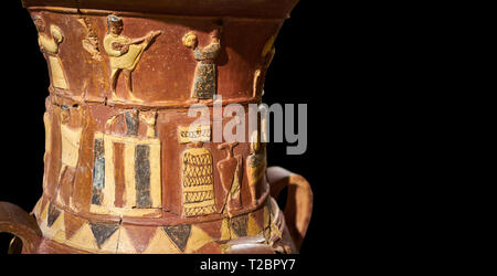 De près de l'Inandik secours culte Hittite décoré de libation à décor d'un homme et les femmes de couleur dans les données sur l'allégement de crème, rouge et noir pla