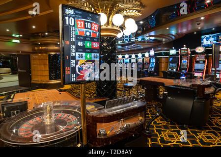 Lors d'une table de roulette casino vide Banque D'Images